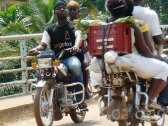 Les ben-skins  (moto-taxi)